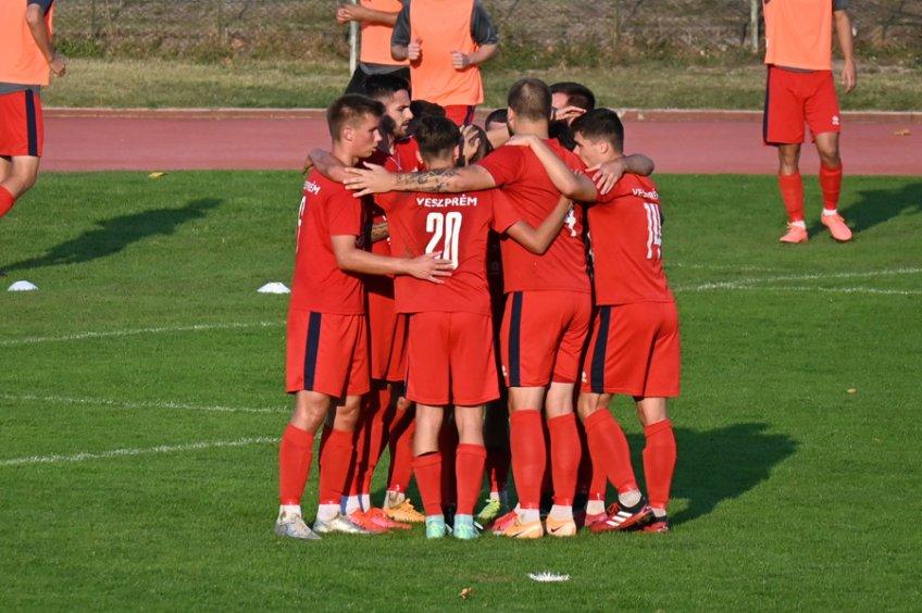 Negyedik hazai meccsét is behúzta a VLS