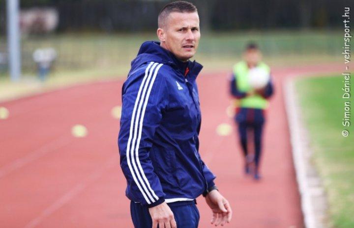Pető Tamás: Ők nem a pénzért fociznak, tanulni és fejlődni szeretnének!