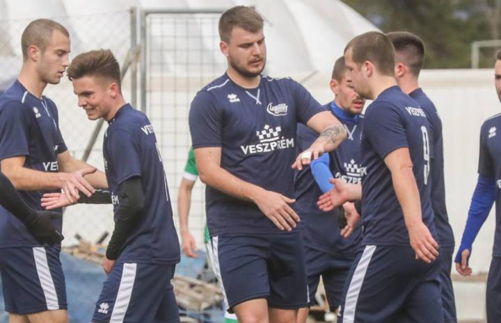 A veszprémiek NB III-as csapata a Sárvárt fogadta